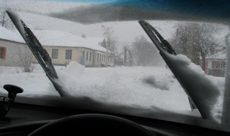 На щетках налипает снег, как это исправить