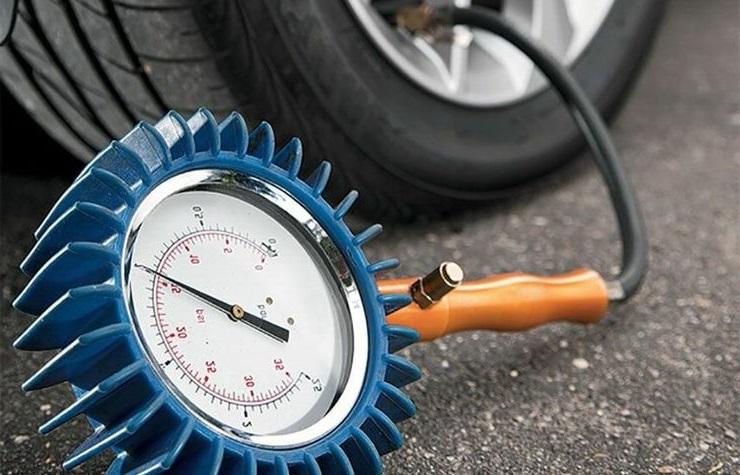 Проверка давления в шина