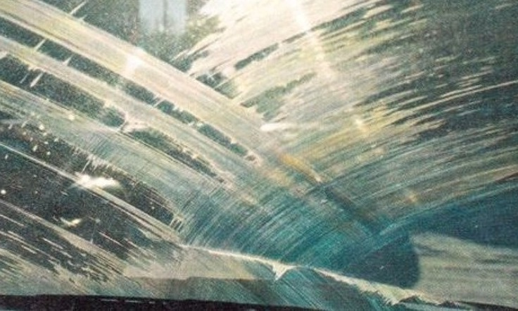 Чем опасна соль для щеток, стекол и водителя