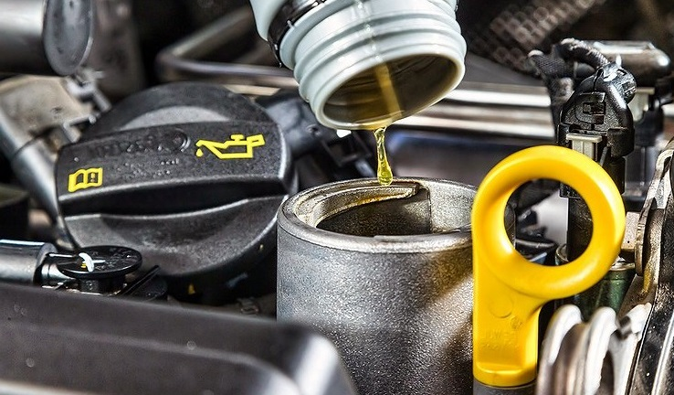 Замена моторного масла весной: есть тонкости