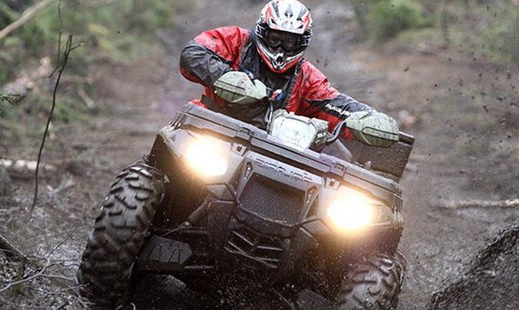 При длительном сезонном хранении мототехники, например, квадроциклов, их баки должны быть заполнены бензином