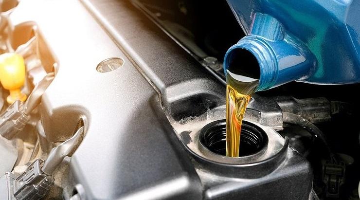 Долив масла в двигателе другого производителя авто